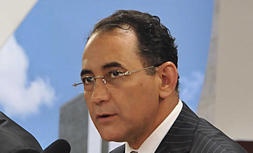 Ex-presidente da Câmara devolve  R$ 536 mil do mensalão