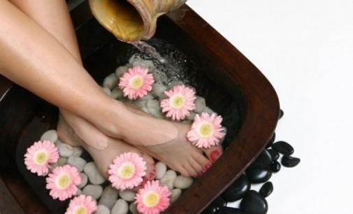 Benefícios de banhos e escalda pé com sal grosso