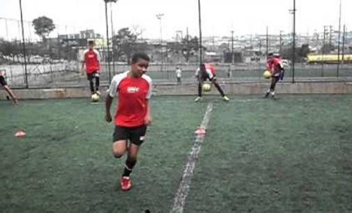 Escola de futebol São Paulo Center Leste