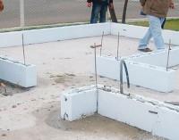 Aplicações de tijolo de isopor para parede