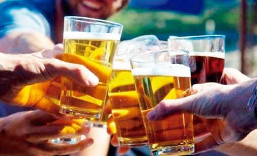 Homens precisam beber com os amigos 2 vezes por semana