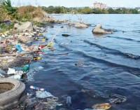 Poluição e desperdício reduzem a água disponível no Brasil