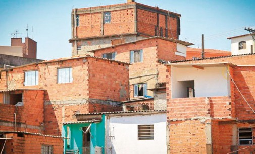 População em favelas paulistanas cresce mais do que no restante da cidade