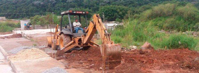 Prefeitura coibe ocupação irregular  em área pública no Palanque