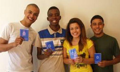 Candidato jovem e atualizado tem vantagem no mercado de trabalho, diz pesquisa